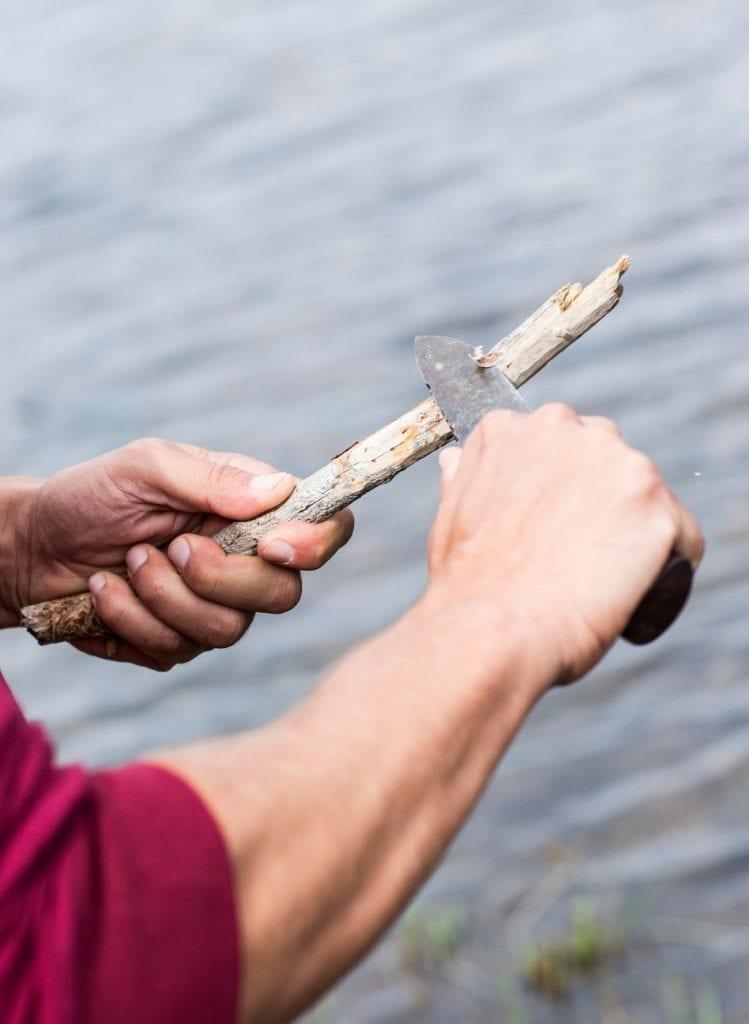 couteau bois frisottis