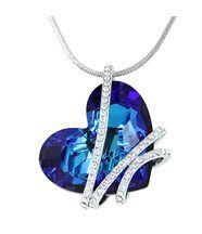 Pendentif femme argenté orné de cristaux swarovski elements coeur 231