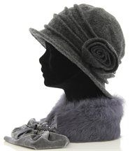 Chapeau cloche  100% pure laine Bouillie LEOPOLD